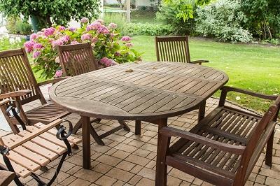 Pflege der Gartenmöbel